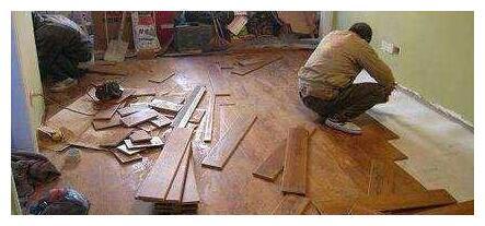 实木地板想要铺得好,这一步工序不能少,看完想回家拆了重装