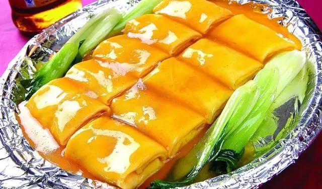 美食推荐:田园蔬菜龙骨汤,荷包豆腐,蒜苗豆腐做法!