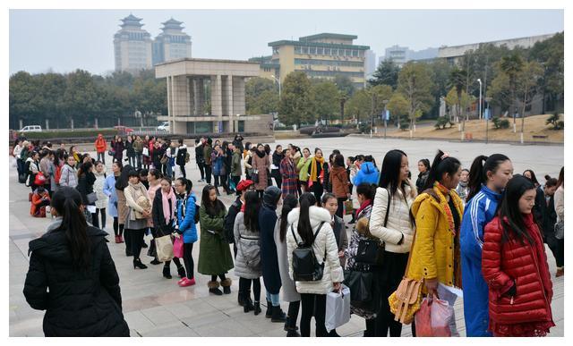 中国十大时装名校,唯一以纺织命名的,爱好服装设计学生不能错过