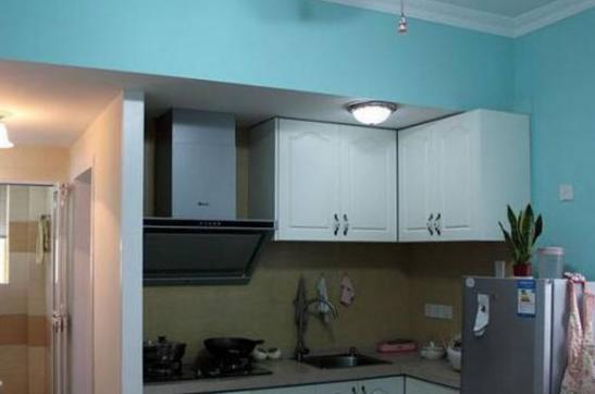 买下76平旧小区二手房,单亲母亲打造舒适现代空间,进门是洗脸盆