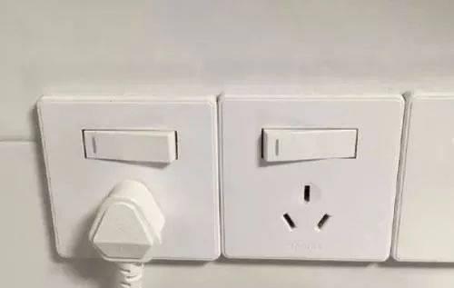厨房插座万万不要这样安装,好多人不懂装错,入住才知悔断肠