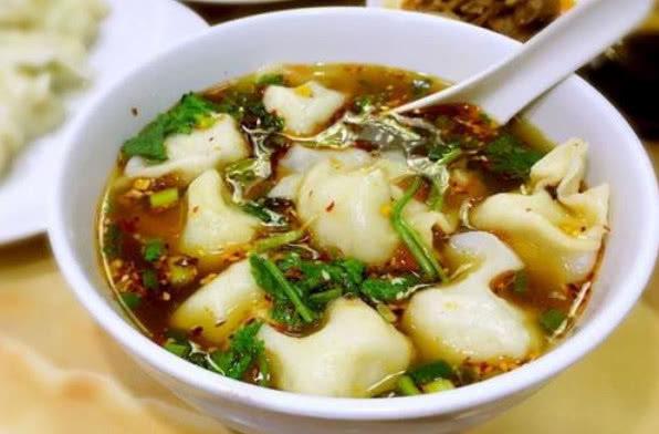 平常卤肉的一种香料,北方人过年用来包饺子,老外用来做酒!