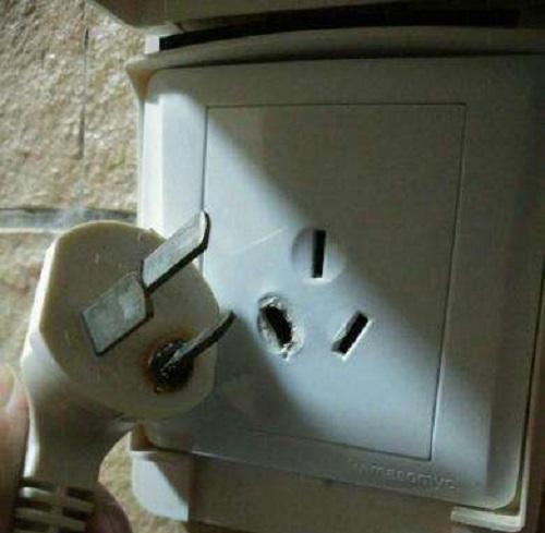 这3种充电器可不能长时间插着,用完就拔下来,省电费又安全