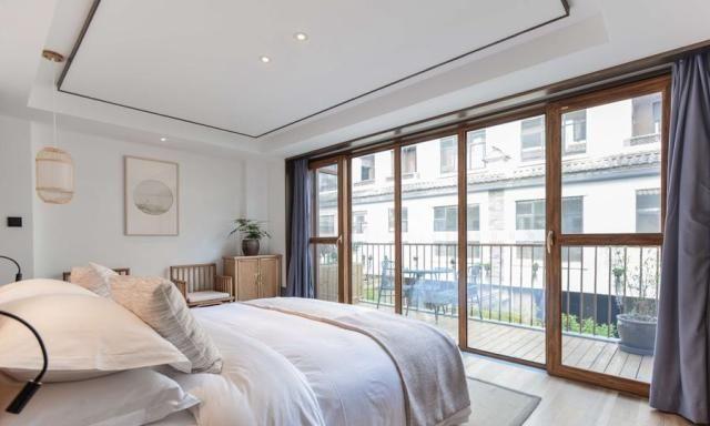 住酒店检查这几个地方,枕头可以看出床上用品有没有更换!