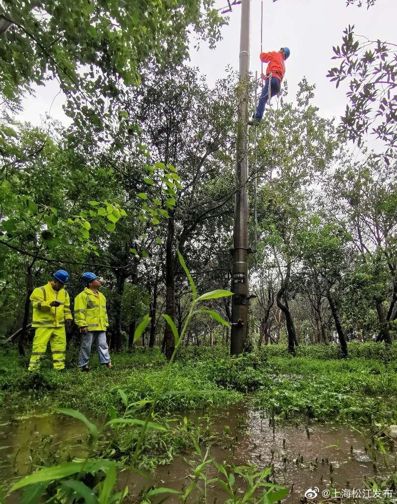 """地道被淹抽水泵""""罢工"""",松江供电紧急出动"""