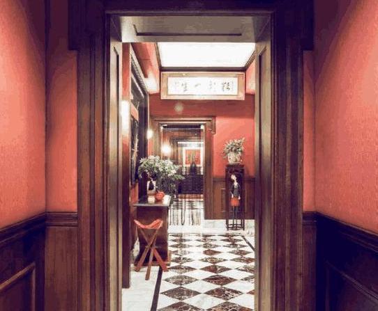 带你看看金星老师的豪宅:家里装修如皇宫,里面摆满了名贵家具
