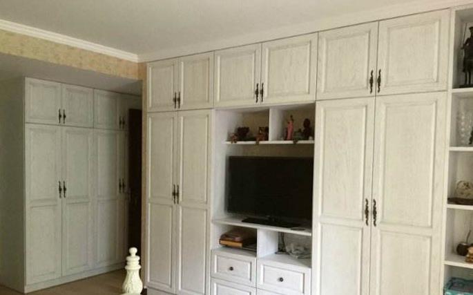免漆板做衣柜,和刷油漆到底哪个好?木工师傅说的很现实