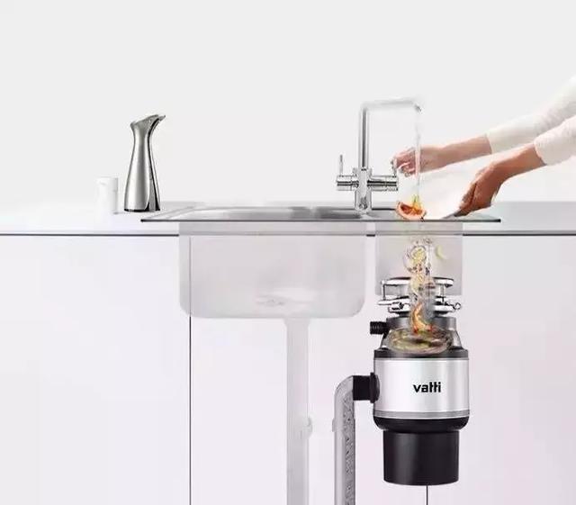厨房当然要装厨余粉碎机了,再也不用疏通下水管,遗憾没早点装上