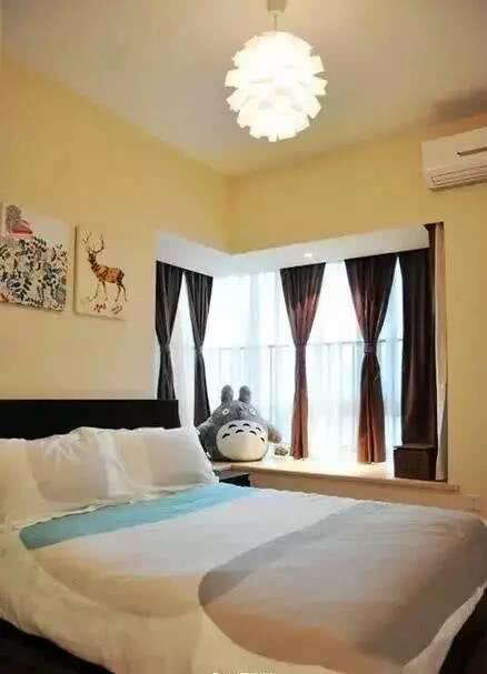 66平米简约时尚风格装修,客厅的背景墙装饰真的巨好看