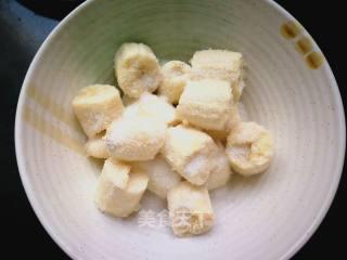 别说水果不能当饭吃,三根香蕉一碗面粉,既是零食又是主食!