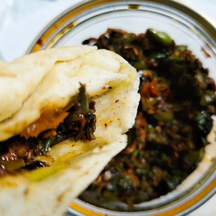 3斤辣椒1斤肉,锅里一煮成辣酱,能吃一年!