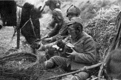 村民挖到70多年前日军罐头,打开后发现保存完好,专家:敲响警钟