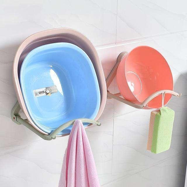 拖把洗脸盆别直接放地上了!教你2个收纳技巧,卫生间整洁又宽敞