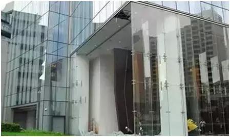 超强台风影响下,门窗幕墙出现的6种安全隐患