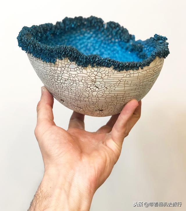"""用电镀制作的""""晶体碗"""",就像是自然生长出来的"""