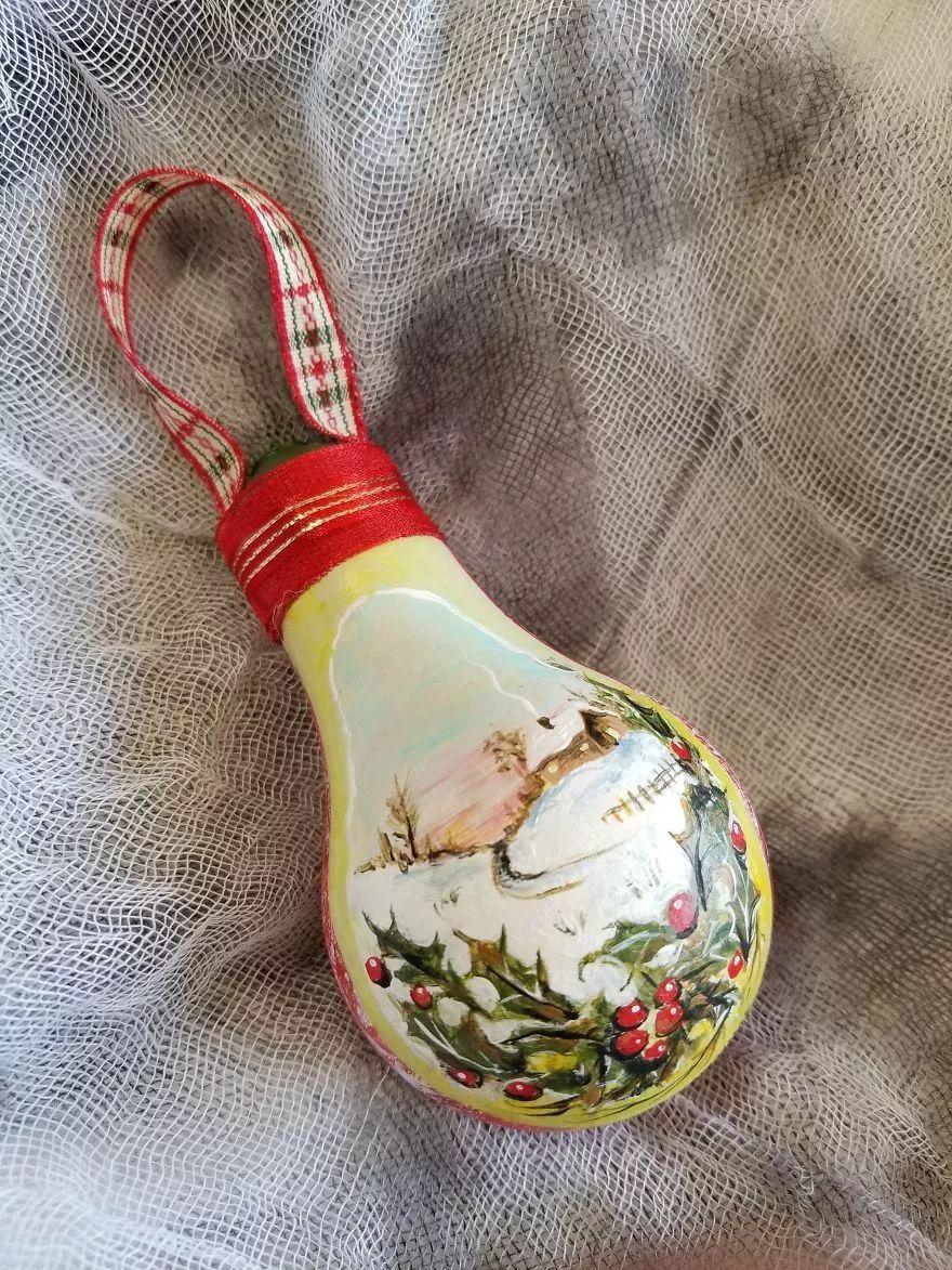 """""""洋节""""来了!外国小伙儿脑洞大开,把烧坏的灯泡变成了圣诞饰品"""
