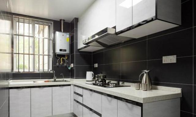 95平米现代简约,以灰白色调为主的家居,给人非常简约大方的感觉