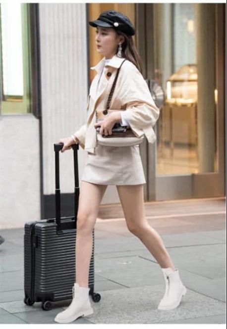 冬季羽绒服搭配这3款鞋子,好看又保暖,还能显腿长!