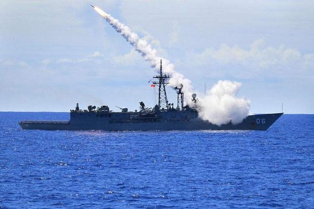 美利用乌克兰打代理人战争?或援助4000吨级战舰,专克俄潜艇