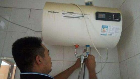 """热水器用久了""""脏兮兮""""?老师傅教你自己清洗,别再请人浪费钱!"""