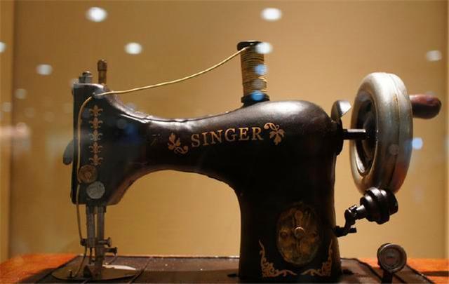 现在一台80年代的缝纫机,值多少钱呢?说出来你都不一定相信