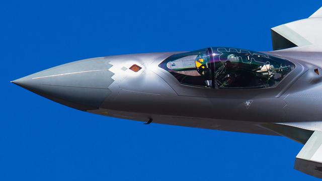 苏57座舱首次公开,机械仪表全部消失,歼20唯一优势没了