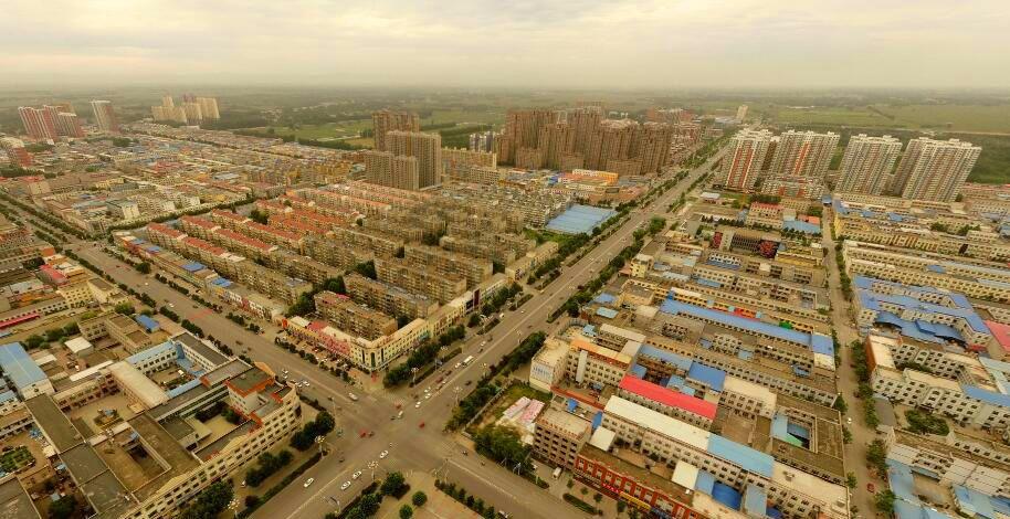 河北高碑店市最大的镇,城镇规模媲美市区,是箱包之都