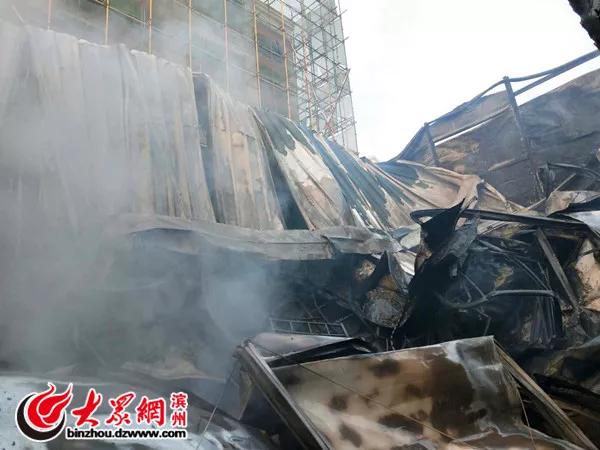 突发!滨州一建筑工地发生火灾,所幸未造成人员伤亡。