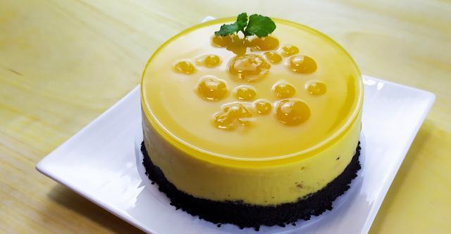 流心芒果慕斯-酸酸甜甜不腻口,不用烤箱、电动工具照样能做