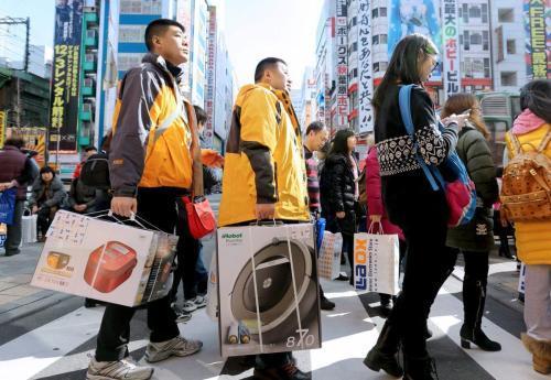 在中国3块钱的东西,运到日本包装后卖3万,全是中国游客抢着买!
