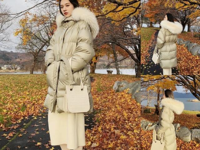 冬季女生穿羽绒服,搭配时尚腰带,怎么穿都显瘦!