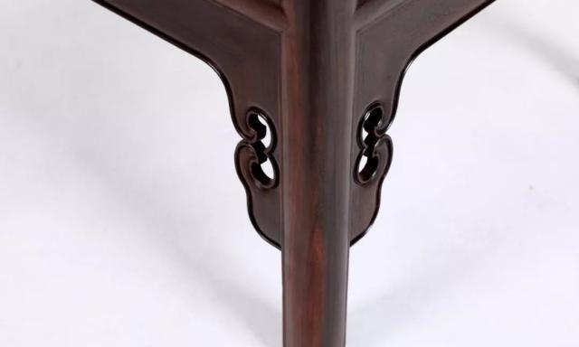 大红酸枝一木对开独板圆角柜是中式的多功能储物柜!