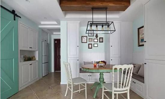 家里不要买整套餐桌椅了,聪明人更爱这样设计,不仅省钱还很实用