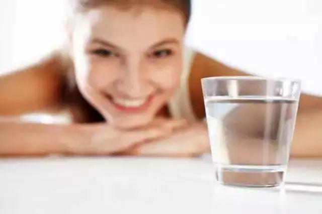 """这5种食物,是尿酸的""""催化剂"""",不想痛风,喜欢也别贪吃"""
