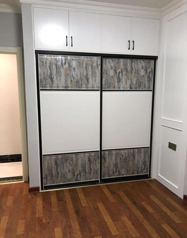 新房硬装完工,主卧卫生间藏在衣柜里?刚打扫了卫生忍不住晒晒