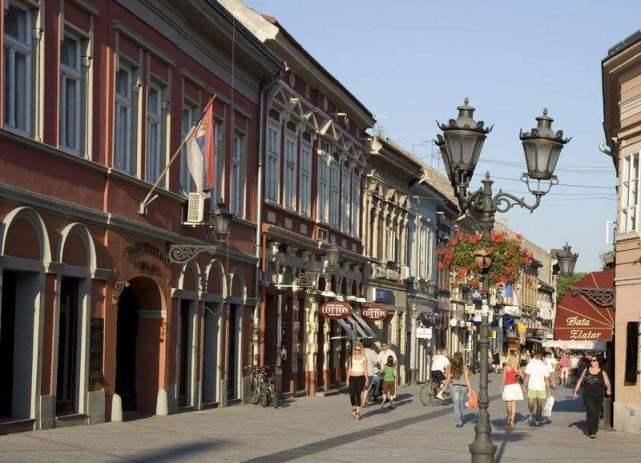 最友好的一个欧洲国家,满大街的中文标牌,甚至还有华为的广告牌