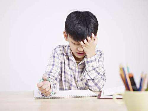 轻松让孩子坐标准 光明园迪学习桌椅做了这些优化设计