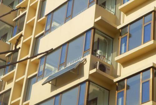 越来越多人在阳台上装热水器,实在太聪明了,真懊悔我家没早听说
