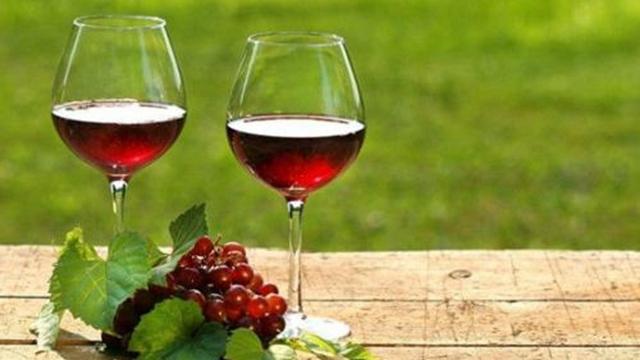 """3个自酿""""葡萄酒""""的小技巧,没30年酿酒经验都不知道,真活久见"""