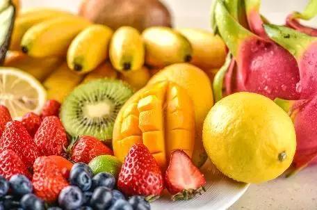 寒冷冬天,这样给宝宝吃水果才不伤脾胃