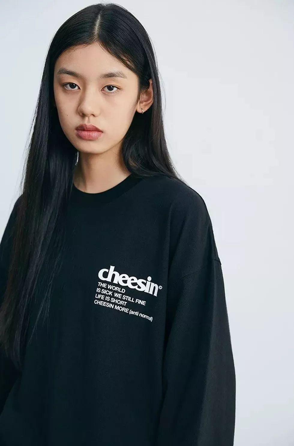 日前,国内潮流品牌 CHEESIN 正式发布 2019 秋冬季全系列产品