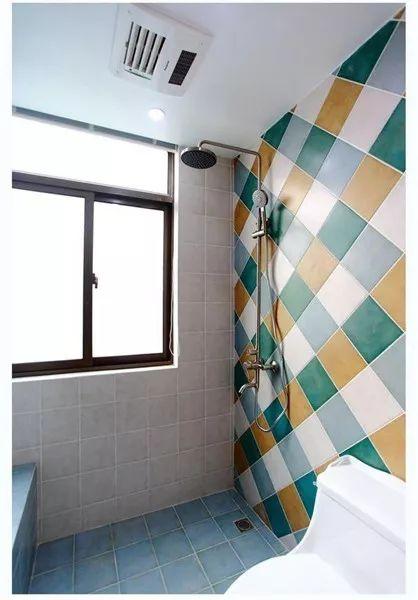 卫生间浴霸选灯暖还是风暖好?很多家庭都选错了,洗澡太受罪!