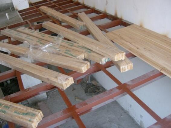 头一次见有钱人这样铺木地板,美观又防潮,看完立马学着装!