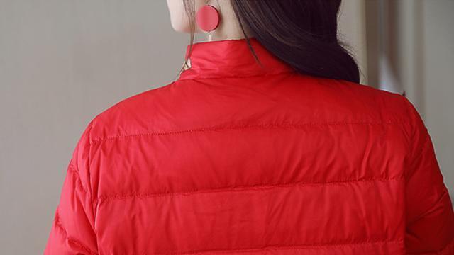 快过年,若不差钱,建议三四十岁女人买这羽绒,暖美过十件皮草