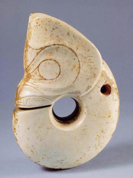 村民挖出古怪铁环,30块钱当做废品卖,专家鉴定是国宝价值过亿