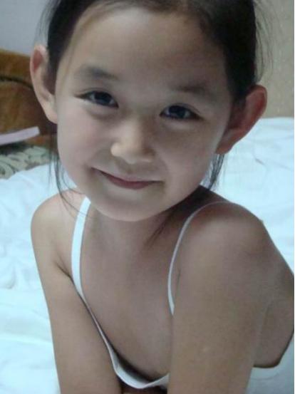 """1岁被导演看中,5岁出道,与吴磊被称""""金童玉女""""却因照片惹争议"""