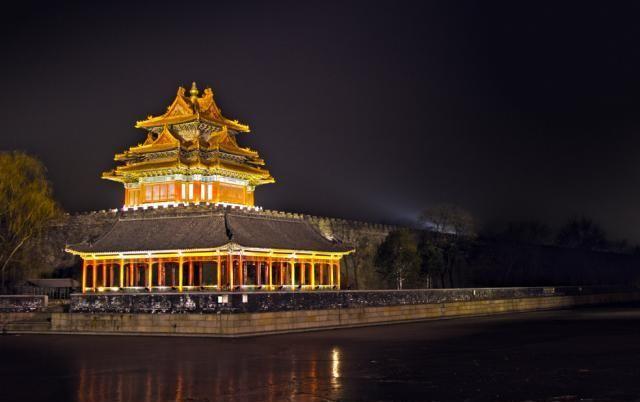 国家文物局:文物建筑不得安装灯具,引起网友热议
