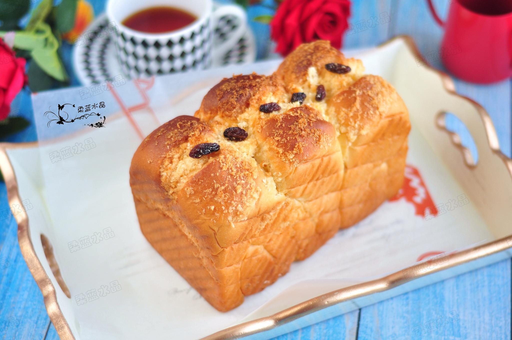 自家做面包没有添加剂和香精,给孩子吃也放心,最适合当早餐!