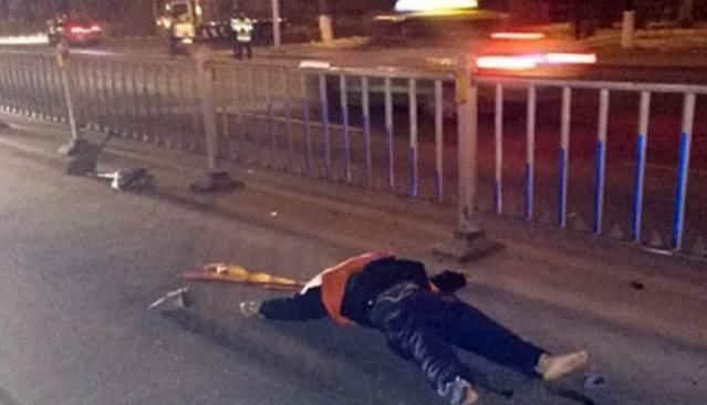 环卫工被酒驾男撞致身亡,300工友点蜡烛追悼!他们应该得到尊重