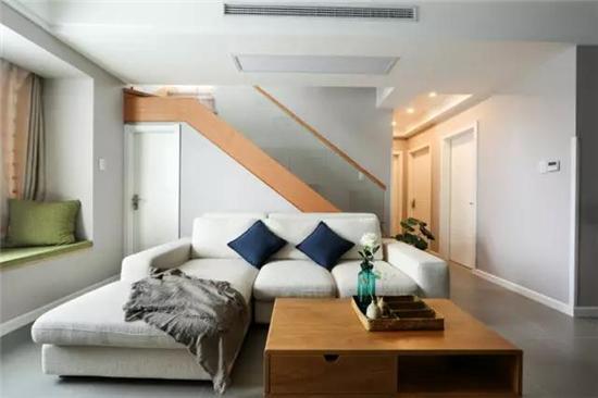 自然原木风+飘窗,用设计点亮生活